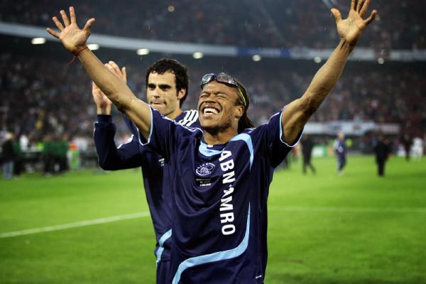 Davids played in two different stages in Ajax.