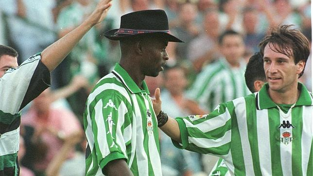 So Finidi George celebrated goals with Betis.