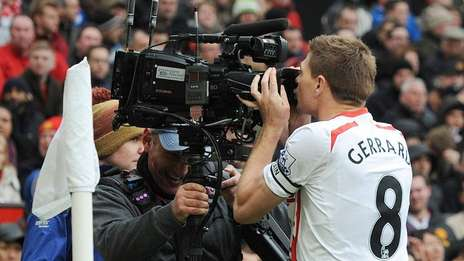Gerrard was the protagonist of the game against United with two goals.