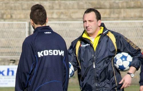 Albert Bunjaku es el seleccionador de Kosovo.