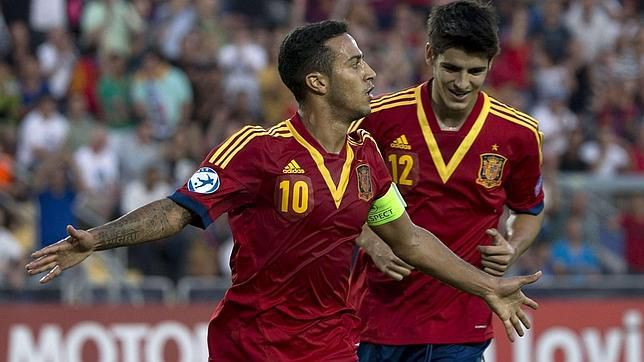 Thiago era seleccionable con dos equipos nacionales.