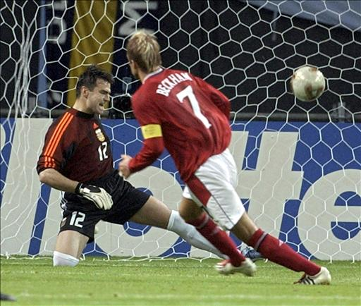 Beckham dio la victoria de penalti a Inglaterra ante Argentina.