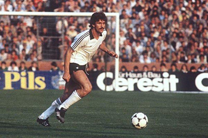 Hannes llegó a jugar el Mundial de España con Alemania.