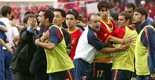 Juanfran and Helguera lost their roles in the Spain-Korea.
