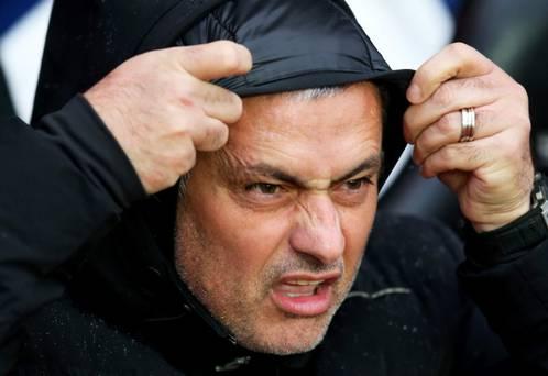 Como en el Real Madrid, Mourinho ha terminado en blanco su segunda etapa en el Chelsea.