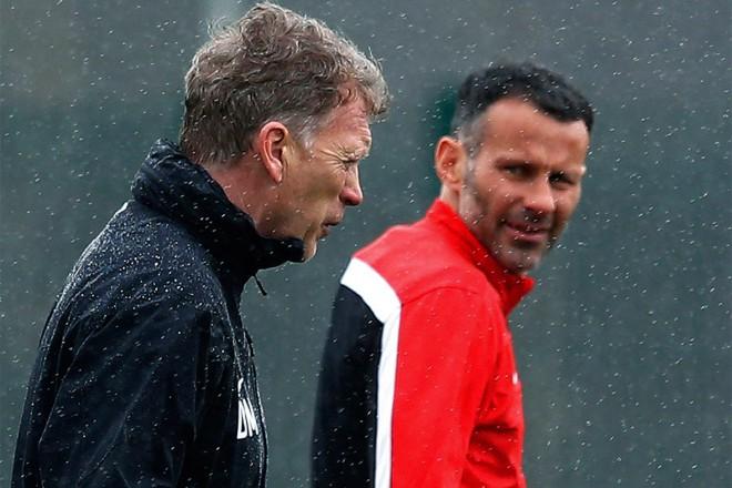 Moyes fracasó y Ryan Giggs tomó el control del United.