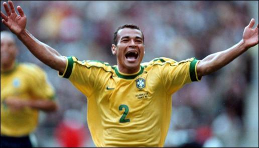 Cafu is the player who received the most yellow cards in World.