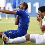 Luis Suárez, 26 partidos de sanción en su vida pero nunca expulsado