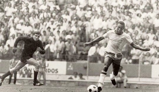 Pele ended up throwing the ball out.