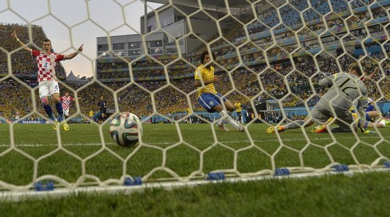 Brazil 2014, the World with lowest in history