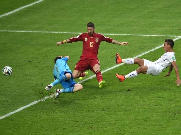 La fragilidad defensiva de España fue tremenda en todo el torneo.