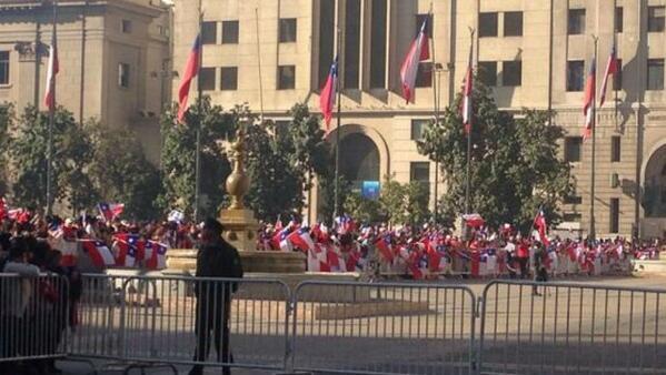 Así estaban las calles de Santiago para recibir a Chile tras su buen papel en Brasil.