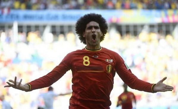 Fellaini dio la primera victoria a Bélgica sobre Argelia.