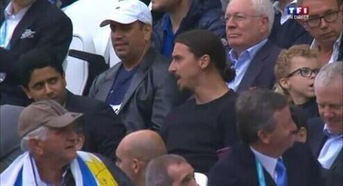 Zlatan did not miss the England-Uruguay. Dueling colossi.