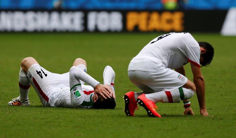 Irán cayó 1-3 ante Bosnia y dijo adiós al Mundial para desencanto de sus jugadores.