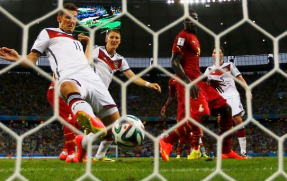 Klose made history and tied for top scorer Ronaldo in World Cup history. It is also the third player to score in four World.