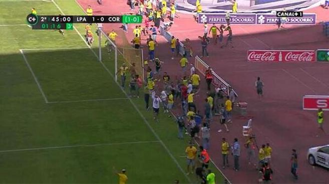 Incidents in style in Las Palmas. The fans jumped ahead of time.