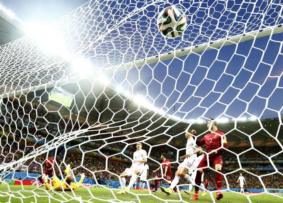 Nani marcó el primer tanto del partido.
