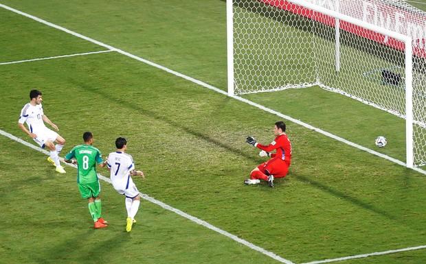 Nigeria ganó a Bosnia y dejó KO a los balcánicos.