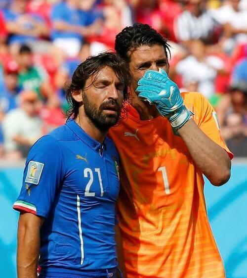 Italia dice adiós y con ella dos mitos: Buffon y Pirlo. Tanto monta, monta tanto.