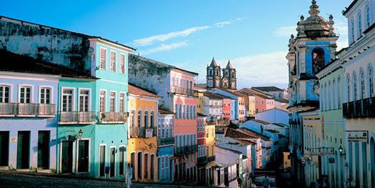 Auf den Straßen von Salvador de Bahia beginnt Spanien gegen die Niederlande.