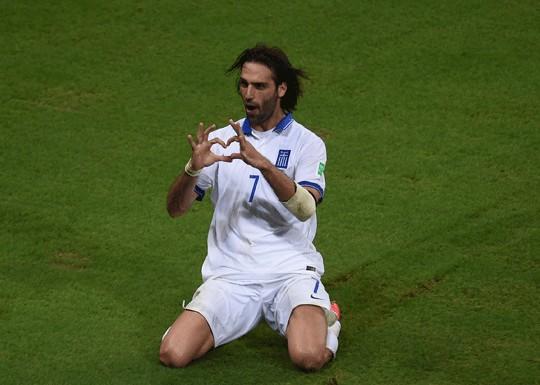 Samaras ha dado a Grecia el pase a octavos de penalti en el último minuto. De película.