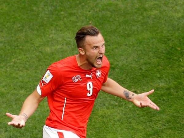 Ojito a Suiza y ojito a Seferovic. Gran delantero, ganaron los helvéticos 2-1 a Ecuador.