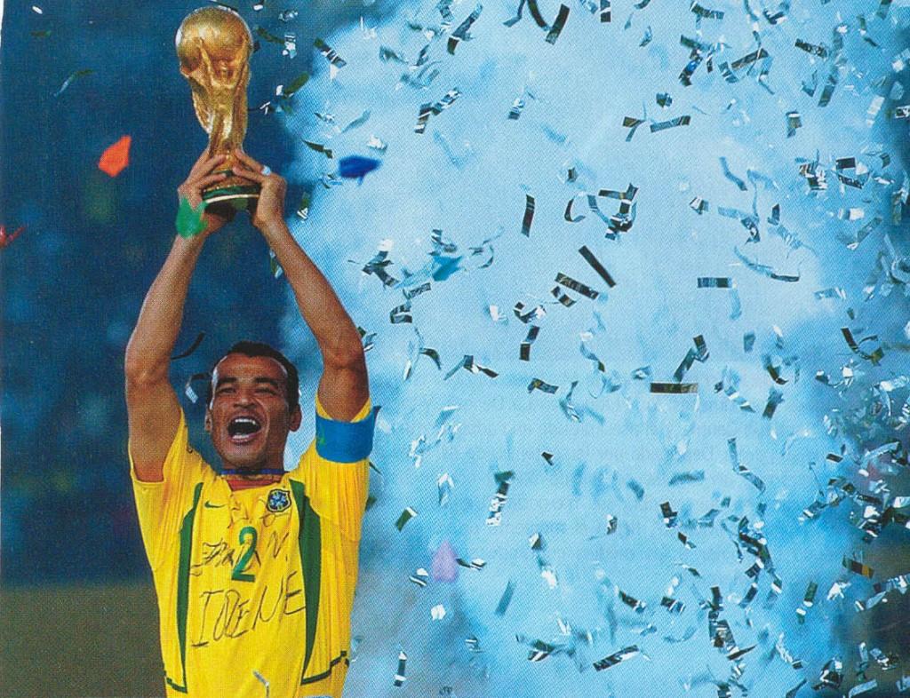 Cafu spielte drei Finale einer Weltmeisterschaft und gewann zwei.