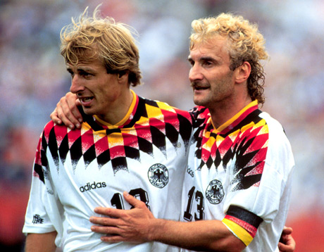 Rudi Voller's mustache attached to the dye and mane of curls, a sensation.