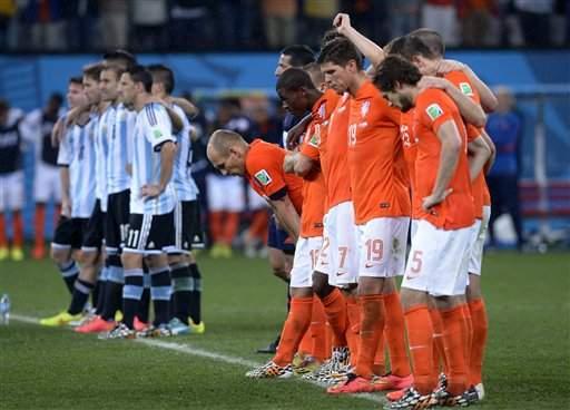 Holanda quedó fuera de la final del Mundial 2014 en los penaltis ante Argentina.