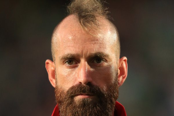 Not Zangief of Street Fighter but Raul Meireles, another player addicted to tattoos and makeover.