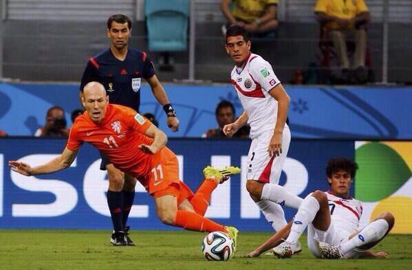 Robben has been a nightmare for the defense of Costa Rica.