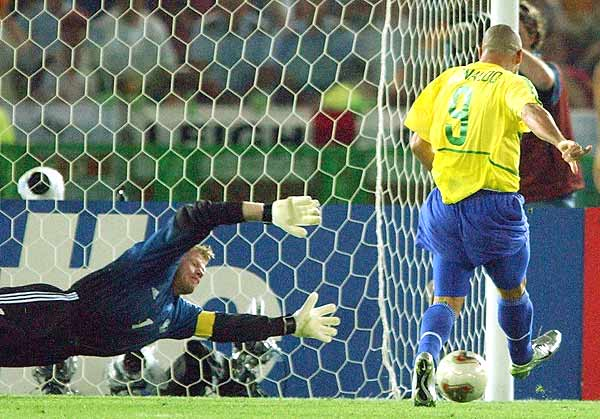 Ronaldo scored Kahn the two World Cup goals for Brazil against Germany in 2002.