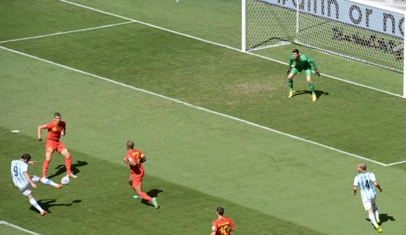 This goal from Pipa Higuaín puts Argentina in a World Cup semifinal after 24 years.