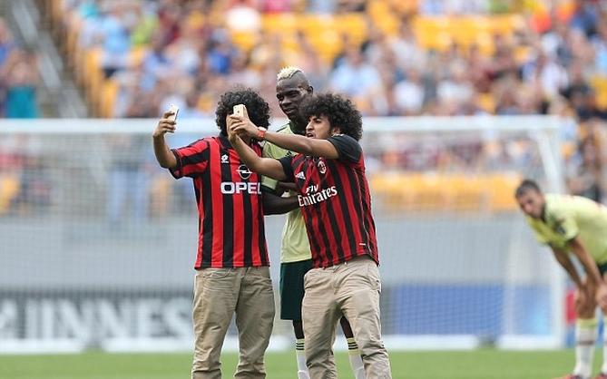 Mario Ballotelli selfie