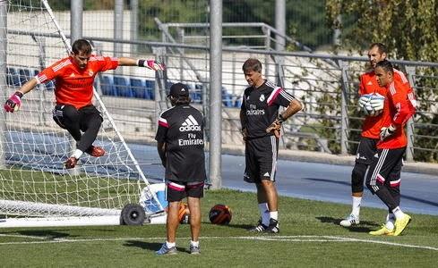 Keylor Navas , Iker Casillas y Diego López entrenando con el Madrid.
