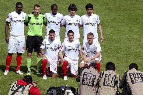 Con esta particular alineación de 8 hombres se presentó a jugar la Uniao Leira.