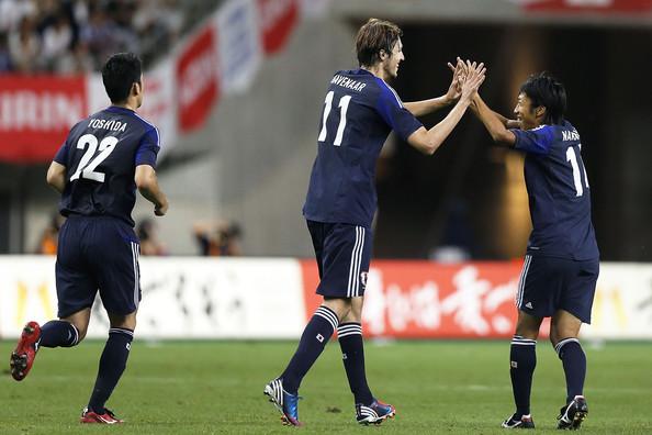 Havenaar celebrando un gol con Japón ante Tayikistán.