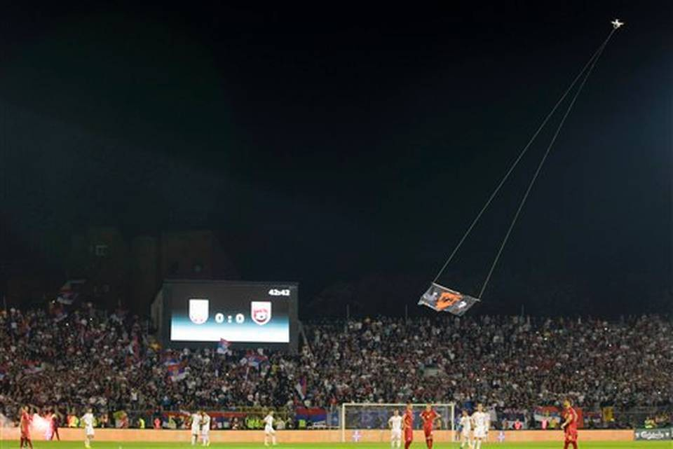 Moment when the drone with the flag of Greater Albania flew over the stadium Serbian.
