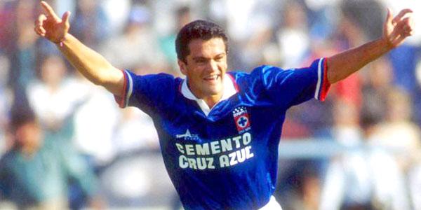 Carlos Hermosillo uno de los goleadores mexicanos de los 90.