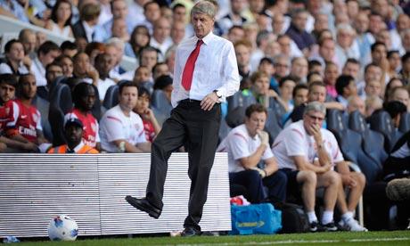 Por Wenger parece que no pasen los años.
