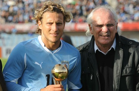 The Forlán played five World Cups between the two.