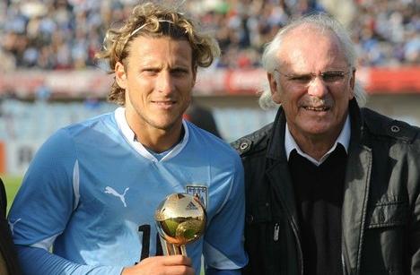 Los Forlán jugaron cinco Mundiales entre los dos.