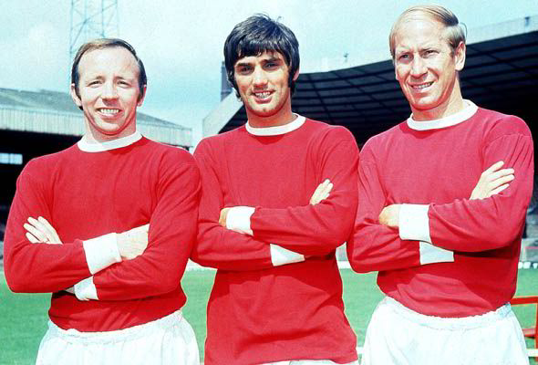 Nobby Stiles, George Best and Bobby Robson posing with zamarra the United.