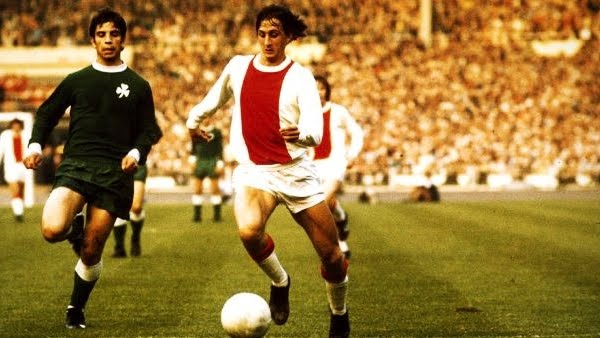Ajax linked 26 victories in a row with El Flaco commanding operations.