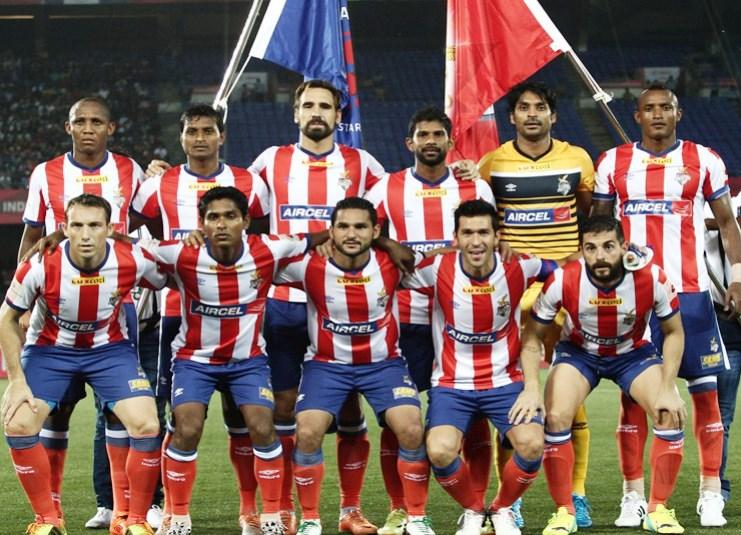 Formación del Atlético Calcuta con jugadores como Josemi, Jofre o Luis García.