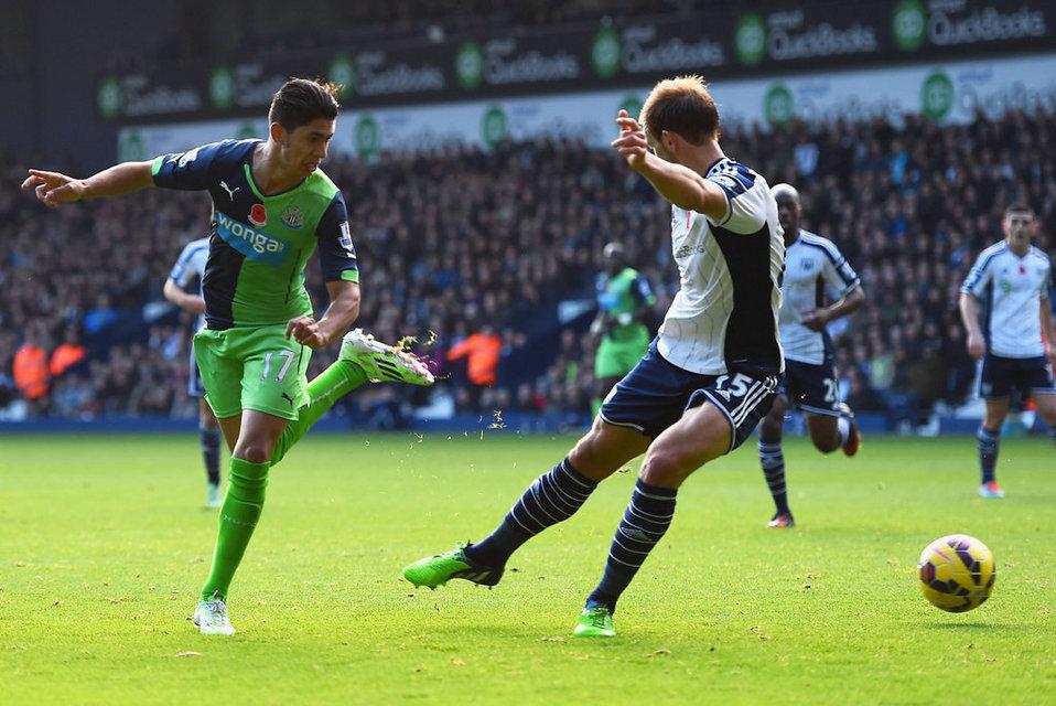 Ayoze this goal heel marked with zamarra of Newcastle.