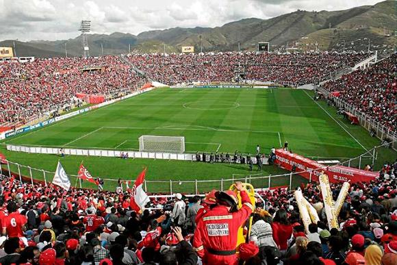 Espectacular imagen del estadio Garcilaso. Fuente: Cusconoticias.pe