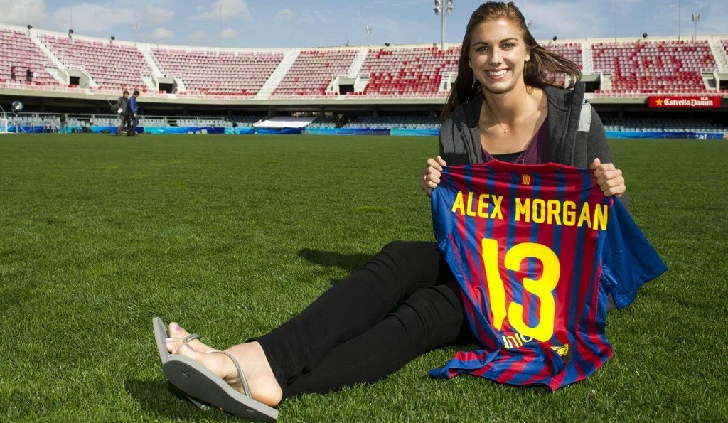 Alex Morgan's shirt Barca in the Mini Estadi.