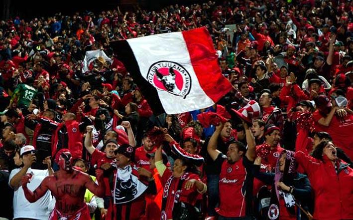 """Los Xolos de Tijuana siempre llenan el estadio """"Caliente""""."""
